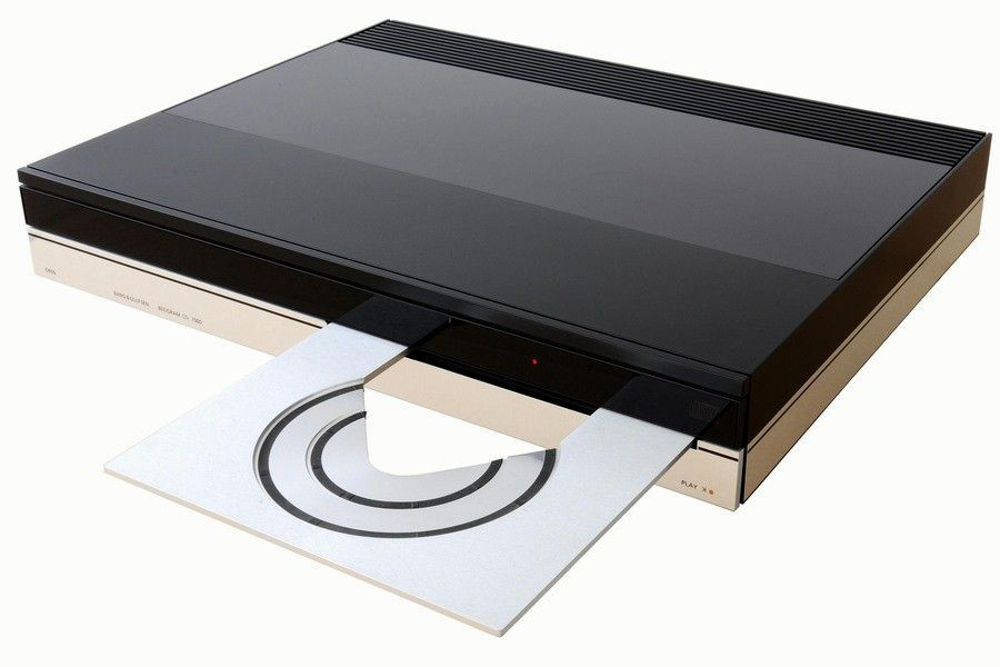 Bang & Olufsen Beogram CD-7000-2.jpg