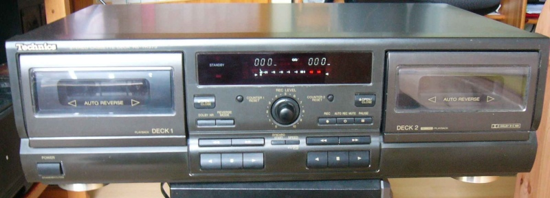 Technics RS-TR 373 Frontansicht.jpg