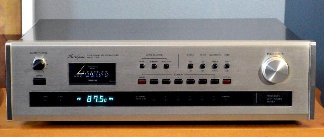 Accuphase T-103-1.jpg