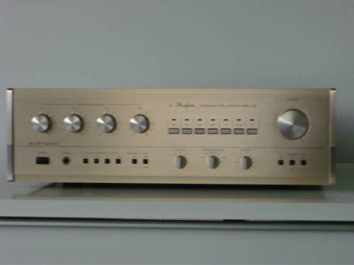 Accuphase E-206 Front.JPG